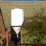 Verontreinigde bodem bij asbestdaken verplicht saneren?
